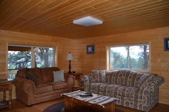 XbarH Lodge: Sitting Area