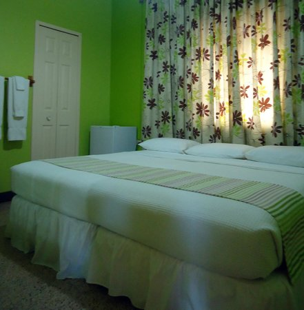Thanna's Place, Bed & Breakfast : No lullabies needed . . .