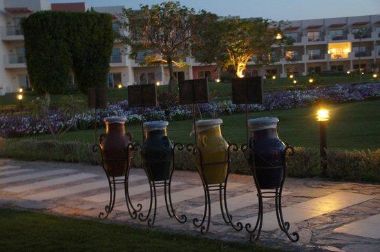 SUNRISE Grand Select Crystal Bay Resort: Rundgang in Anlage
