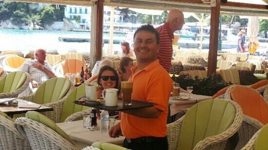 Archontiko: Waiter Miri