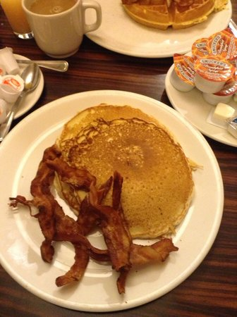 Manhattan Diner New York City Upper West Side Restaurant Reviews Phone Number Photos Tripadvisor