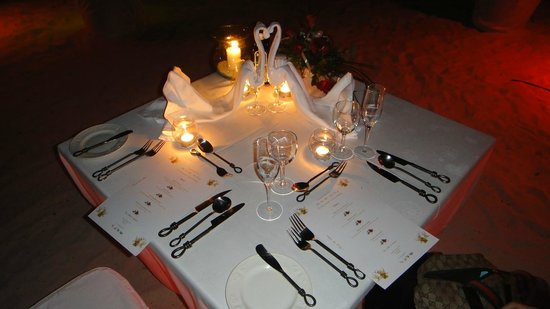 Sugar Beach Mauritius Honeymoon Dinner Table Setup & Honeymoon Dinner Table Setup - Picture of Sugar Beach Mauritius ...