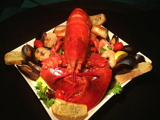 Joe's Steakhouse: Delicious Maine lobster special!