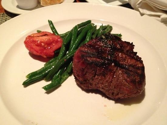 McCormick & Schmick's Seafood & Steaks: 8oz Filet