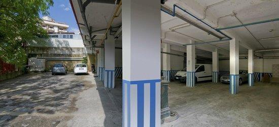 Hotel Palace: garage