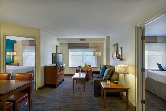 Residence Inn Madison West/Middleton: Suite Sitting Area