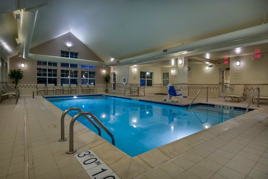 Residence Inn Madison West/Middleton: Indoor pool & whirlpool