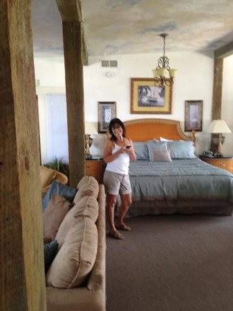 Cedar Key Harbour Master Suites: The Loft (and my wife)