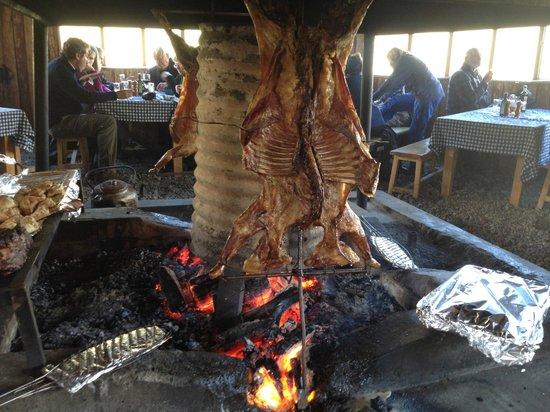 explora Patagonia: Asado de Cordero