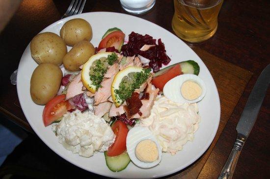 Rockville Hotel: très bonne salade au saumon fumé