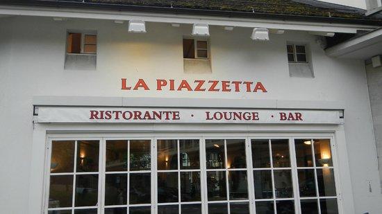 La Piazzetta: front