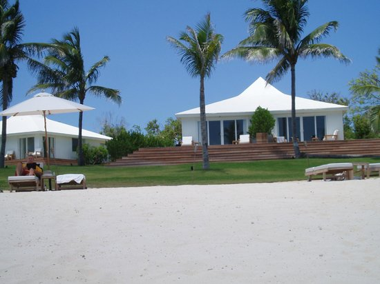 The Cove Eleuthera : View of room from the beach