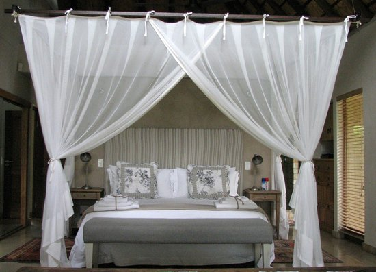 Khaya Ndlovu Manor House: A sweet suite