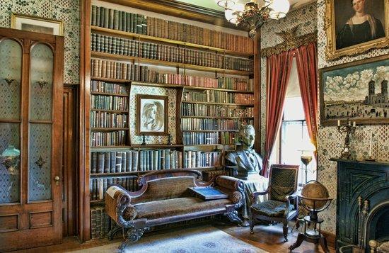 Seward House Museum: Seward Library