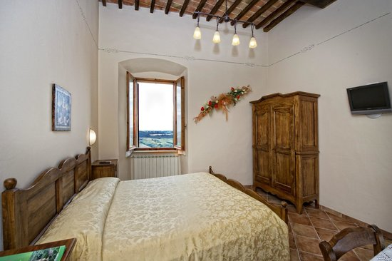 Camere bellavista updated 2017 hotel reviews price for Hotel meuble evoe montepulciano