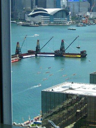 Above and beyond : Hong Kong International Dragon Boat Regatta