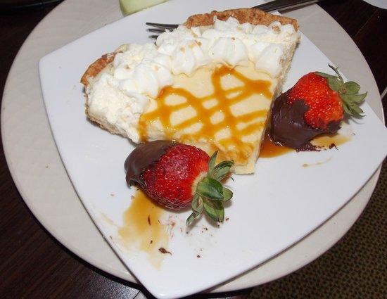 "Hilton Garden Inn Waldorf: My Birthday ""Key Lime Cheesecake"" surprise from staff members:-)"
