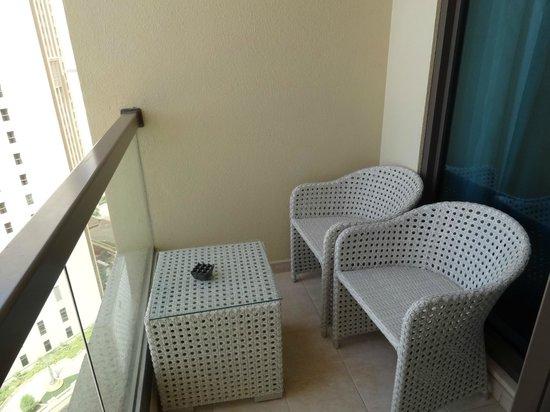 JA Ocean View Hotel: Balkon