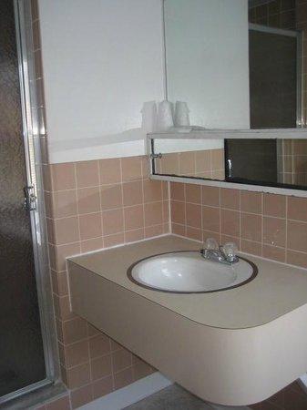 Deerfield Spa: Typical bathroom