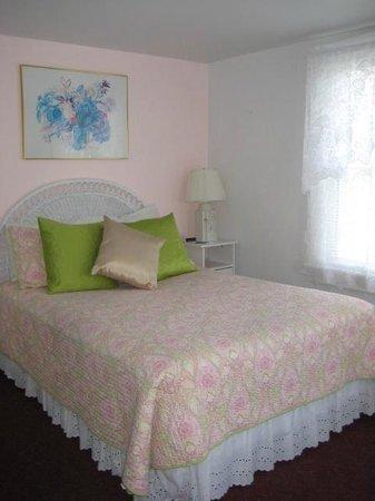 Deerfield Spa: Bedroom