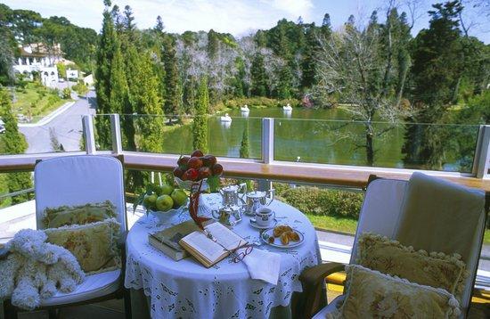Hotel Estalagem St Hubertus: Café da manhã com vista para o Lago Negro