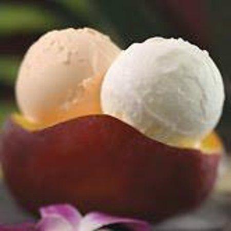 Papalani Gelato: Gelato in a Fresh Mango