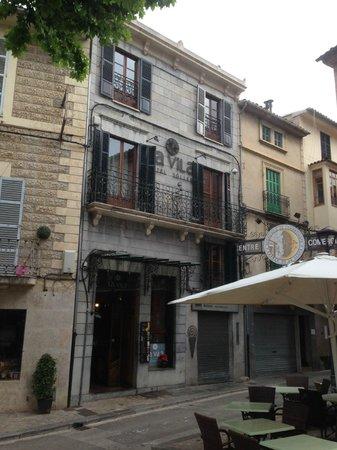 Hotel La Vila: Front of hotel