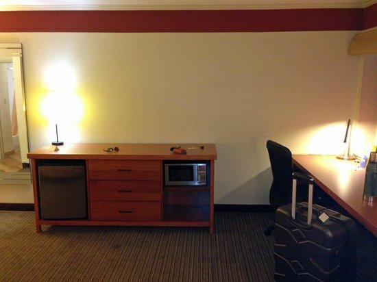 La Quinta Inn & Suites Columbus State University: micro-fridge