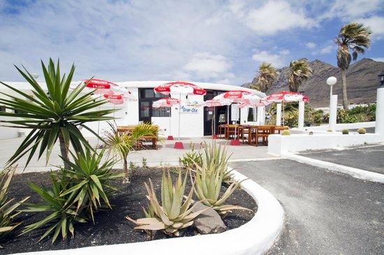 Restaurante y Bar La Gran Ola : Terrazza sul fronte
