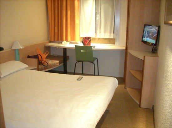 Hotel Ibis Cannes Centre: номер