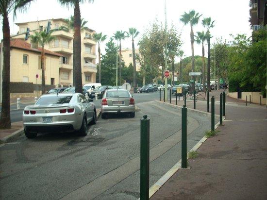 Hotel Ibis Cannes Centre: прилегающая территория