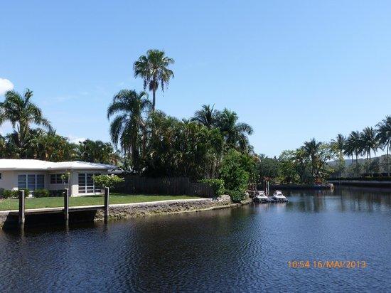 The Cabanas Guesthouse & Spa: le canal au bord de l'hotel