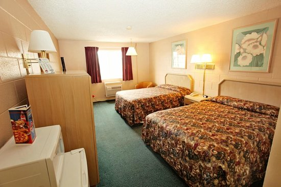 1st Choice Inn of Rawlins: 2 Queen Guest Room