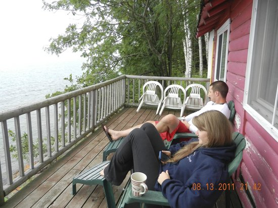 Gooseberry Cabins: Soaking in the beauty from the deck on Cabin #5