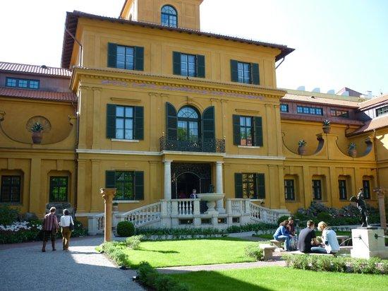 Städtische Galerie im Lenbachhaus: The Gardens