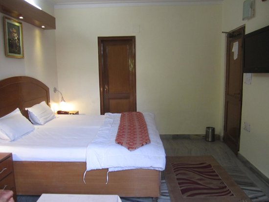 Royal Palace & OYO Rooms: Deluxe Room
