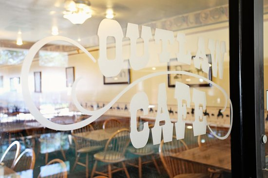 National 9 Inn: Outlaw Cafe
