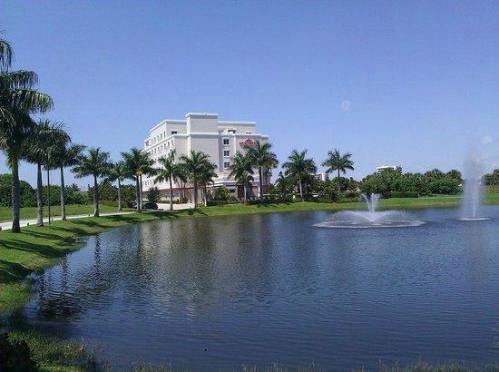 Hawthorn Suites by Wyndham West Palm Beach: Exterior