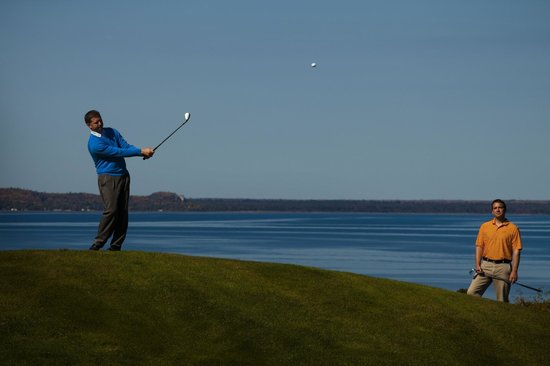The Jewel at the Grand Hotel : 18-hole golf course looking out to the Straits of Mackinac