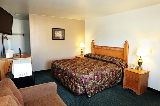 National 9 Inn - Mt Nebo: King Guest Room