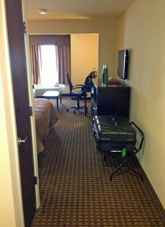 Comfort Inn & Suites : room overview 3