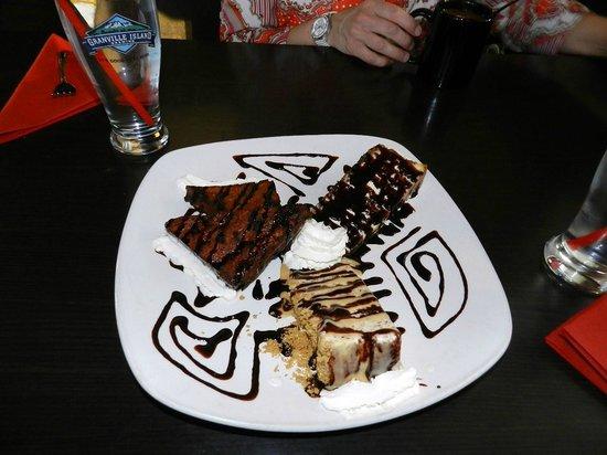 Firehouse Grill: Dessert Platter