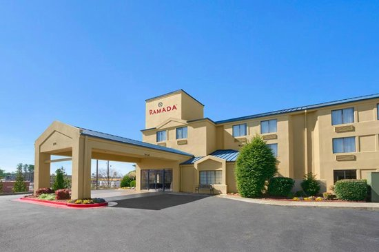 Ramada Marietta/Atlanta North: New Front Drive