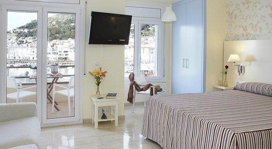Hotel Spa Cap de Creus: Vista mar amb jacuzzi i terrassa