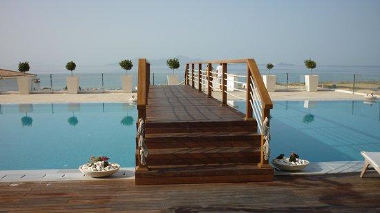 Mitsis Blue Domes Resort & Spa : Pont