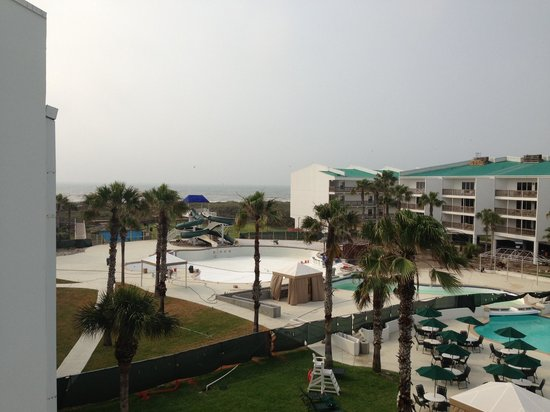 Port Royal Ocean Resort & Conference Center: Pool construction