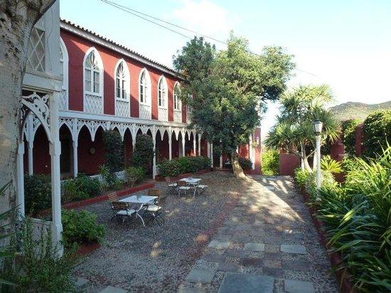 Hotel Rural Las Longueras: Cour intèrieure
