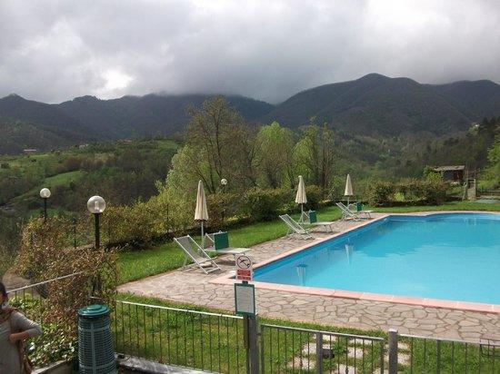 Lunezia Resort : piscina