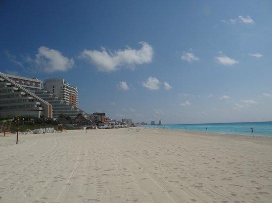 Park Royal Cancun: beach