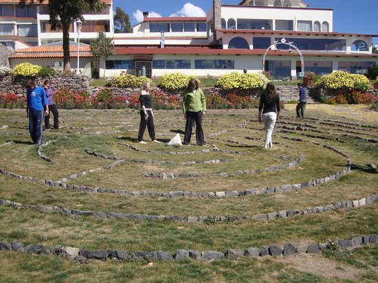 Taypikala Lago: Laberinto hecho en piedra, en los Jardines del Taypikala